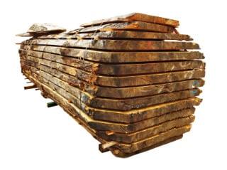 Peças de madeira reconstruídas